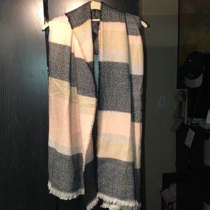 Isaac Mizrahi scarf